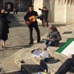 photo de la Jeune Chambre Economique de Beauvais qui prend la pose pour promouvoir les arts et les artistes isariens à Beauvais pour l'art s'expose